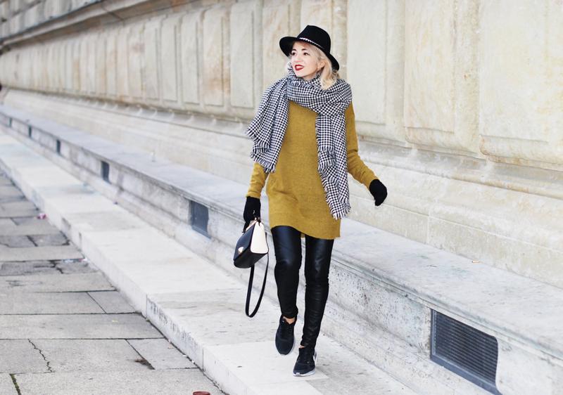 schal-hahnentritt-winter-outfit-gelb-strick-pullover-fashionblog-furla-nike-streetstyle-winter-008