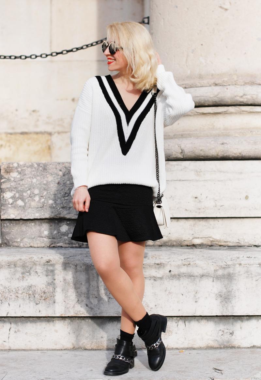 vneck-tennis-pullover-vausschnitt-knit-monochrom-schoesschen-rock-peplum-trend-outfit
