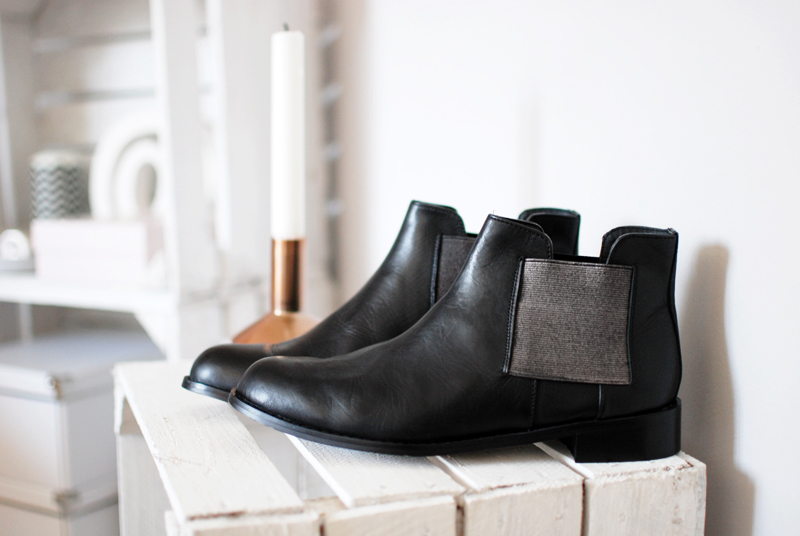 boots-chelsea-shoes