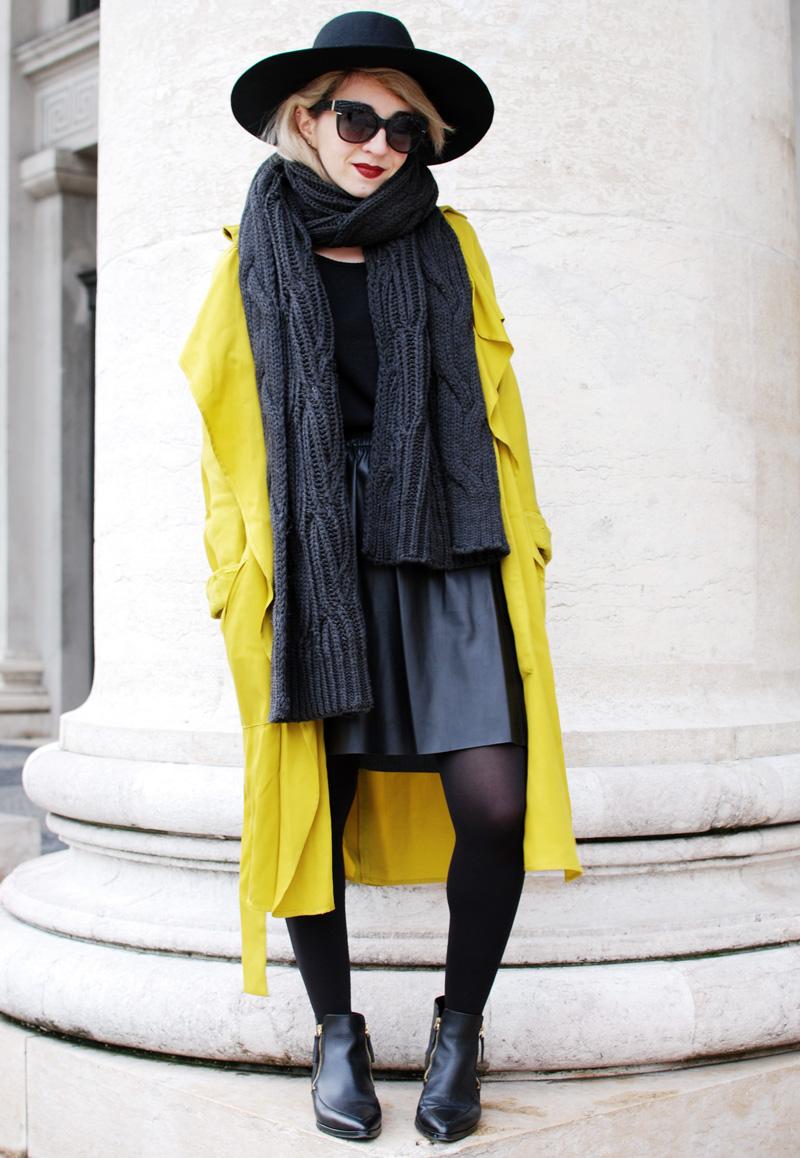 yellow-trench-zara-coat-leather-skirt-fashioblogger-munich-muenchen-nachgesternistvormorgen-outfit
