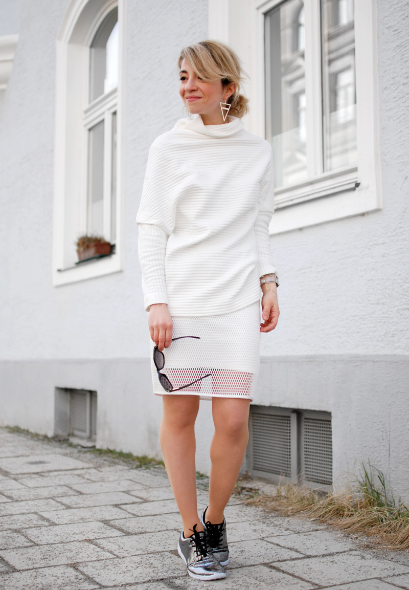 allover-white