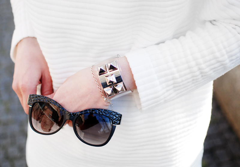details-allover-white-outfit-netz-mesh-skirt-sporty-trend-fashion-blogger