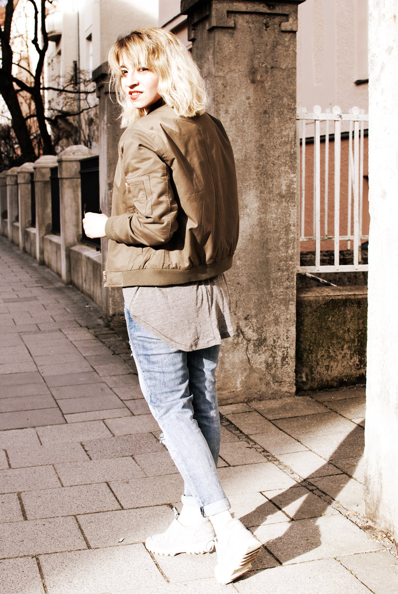 bomber-jacket-casual-outfit-ootd-fashion-blogger-distressed-denim-6
