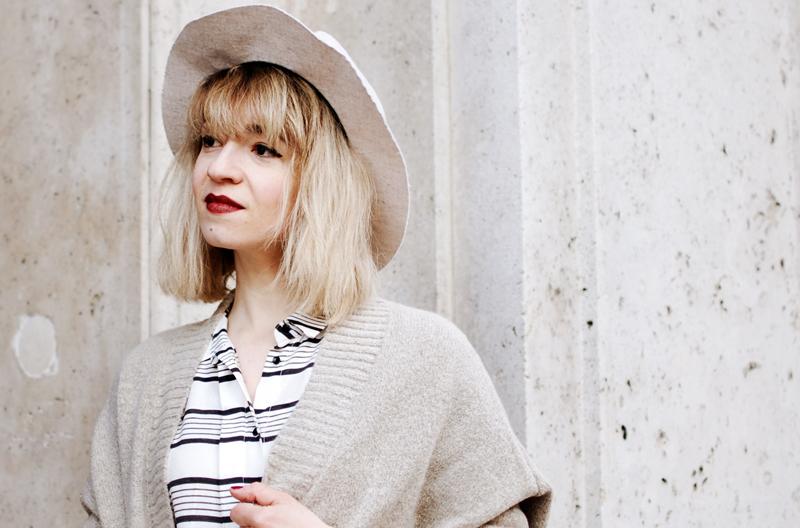 portrait-streifen-stripes-hemdkleid-blusenkleid-bluse-blouse-blogger-outfit-streetstyle