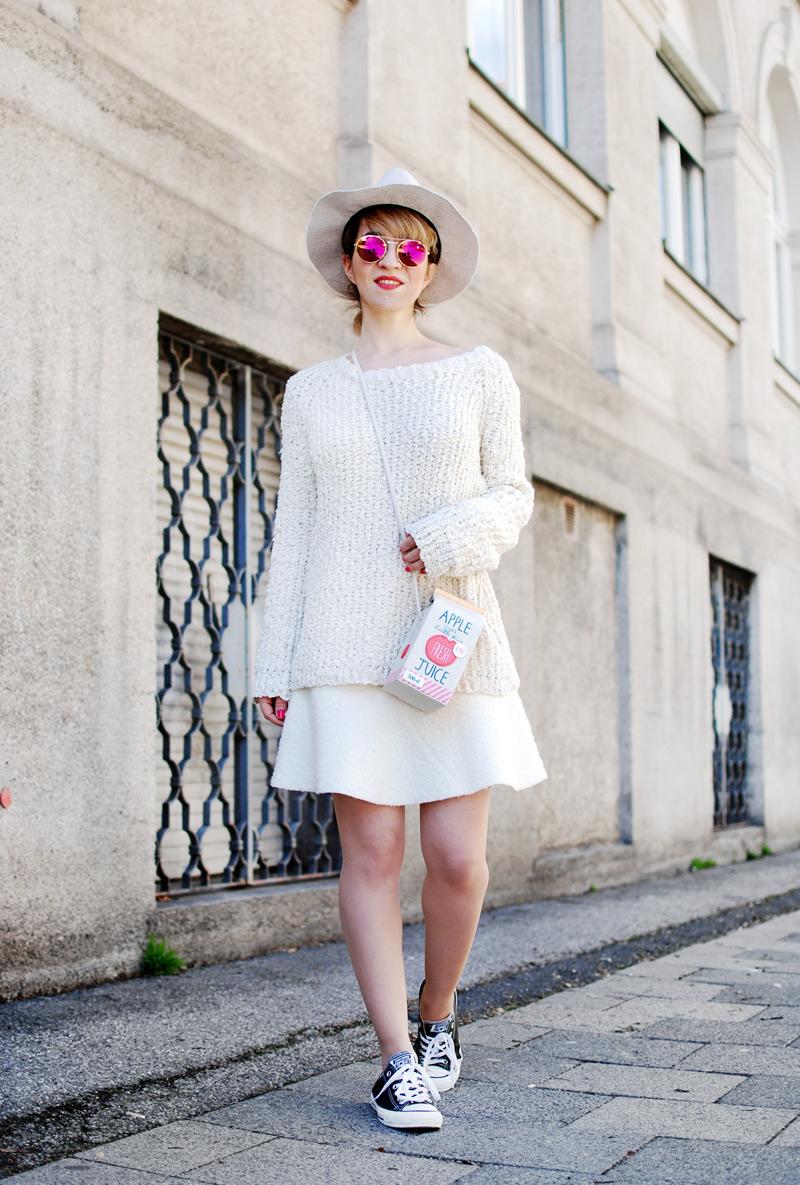 fun-bag-outfit-fashionblogger-powder-spring-colors-cream-11