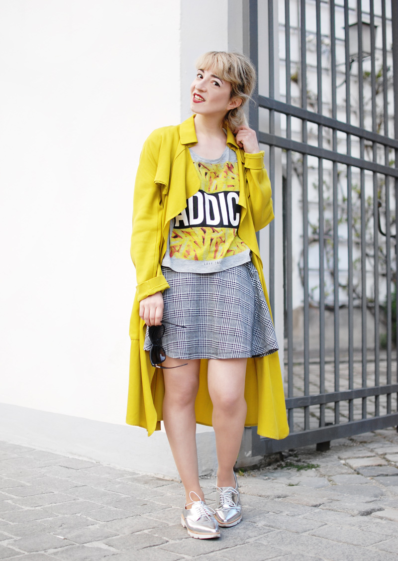 yellow-trenchcoat-funky-streetstyle-fashion-outfit-fashionblogger-4