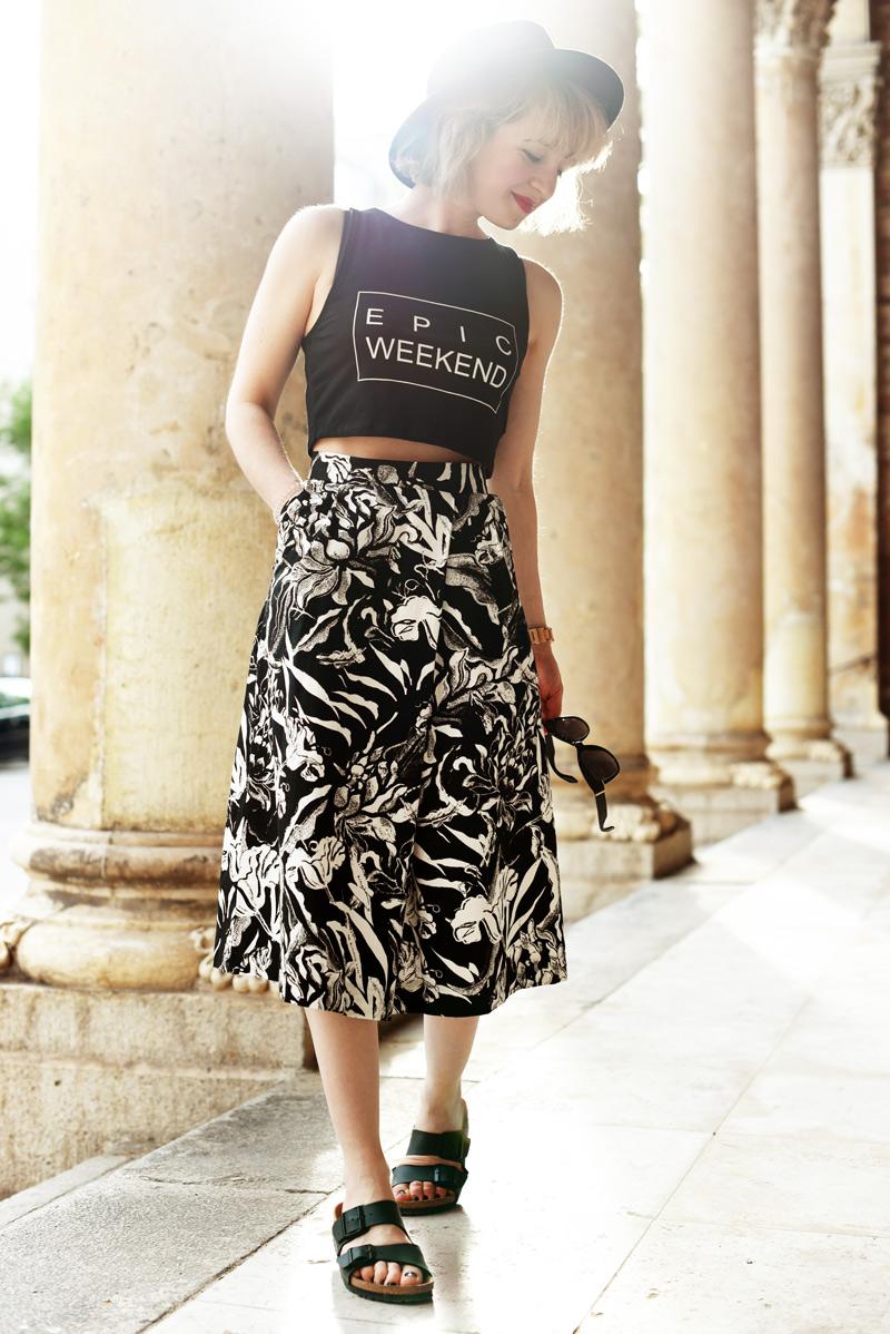 black-and-white-midi-skirt-outfit-fashionblogger-nachgesternistvormorgen-33