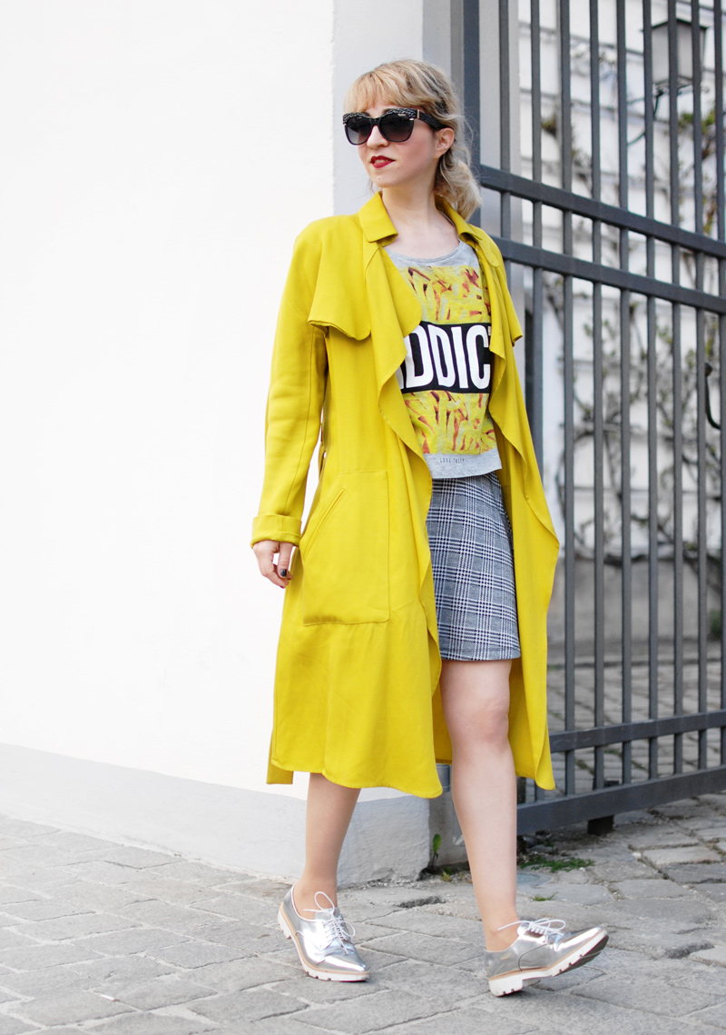 yellow-trenchcoat-funky-streetstyle-fashion-outfit-fashionblogger-1