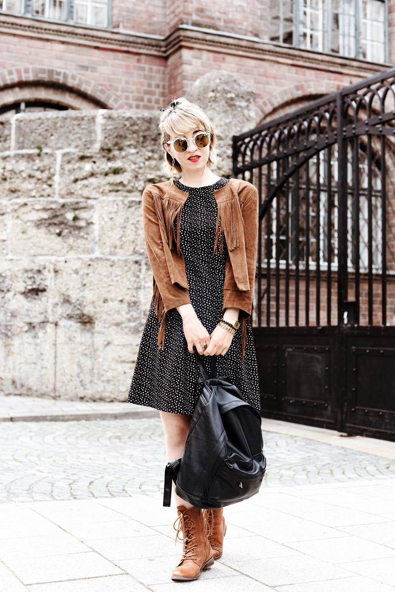 fringes-backpack-outfit-blogger-festival-look