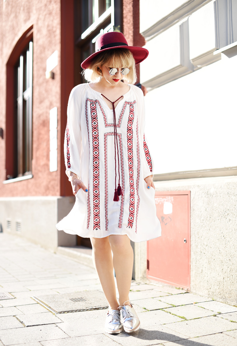 summer-folklore-dress-fashionblogger-nachgesternistvormorgen-22