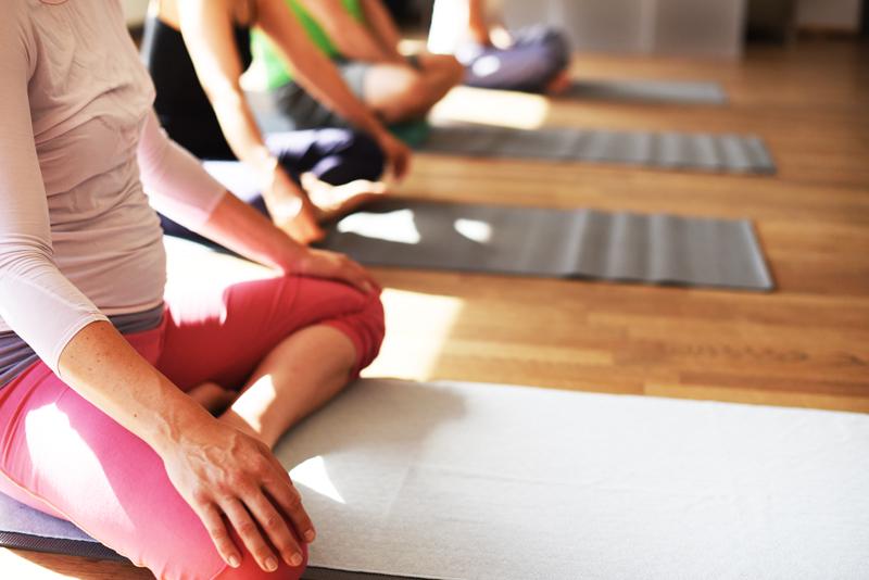 yoga-schneidersitz