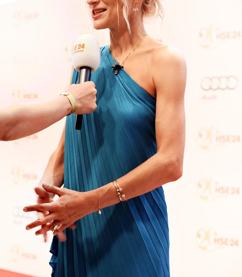 HSE24-TalentAward-Redcarpet-event-gala-blogger-fashion-interview-dress-promi