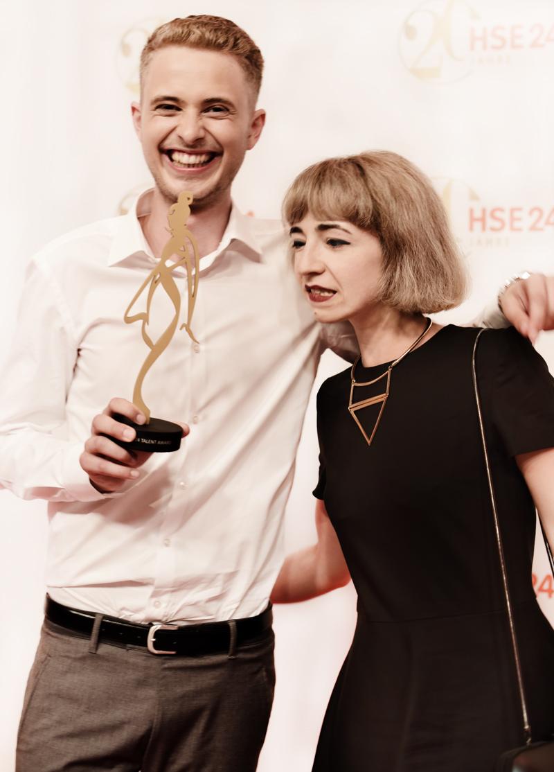 HSE24-TalentAward-Redcarpet-event-gala-blogger-fashion-lars-harre-gewinner-fashiondesign-student-esmod-1