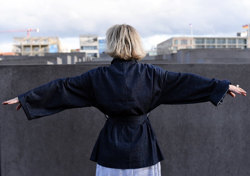 ootd-outfit-mode-fashion-fashionweek-mbfwb15-oversized-trend-denim-nachgesternistvormorgen-look-kimono-back