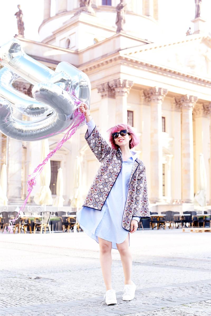 outfit-blogger-pinke-haare-pinkhair-nachgesternistvormorgen-muenchen-modeblogger-mbfwb-look-streetstyle-blouse-blusenkleid