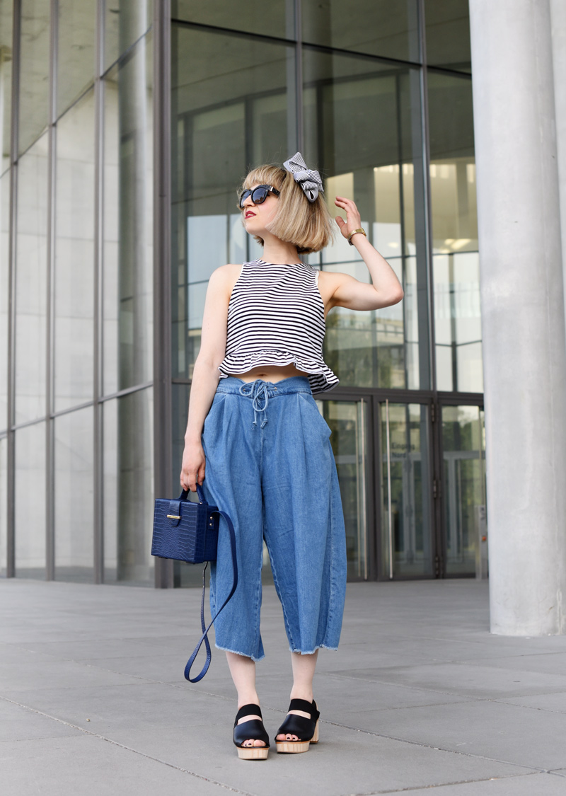 outfit-culotte-denim-trend-fashionweek-berlin-streetstyle-stripes-fashionblogger-modeblog-nachgesternistvormorgen-cos-plateau-sandalen-mbfwb-11