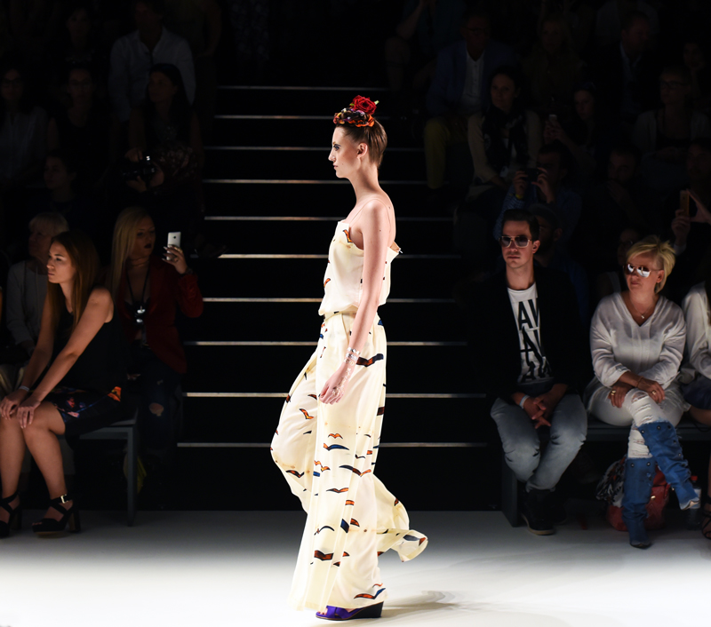 rebekka-ruetz-fashionshow-runway-mbfwb-fashionweek-berlin-jumpsuit