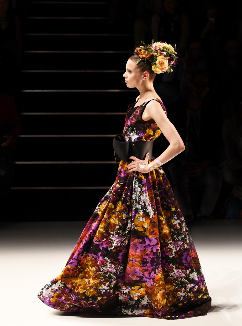rebekkaruetz-fashionsow-runway-laufsteg-mbfwb-fashionweek-berlin-look-kollektion-spitze-leder-designer-mode-nachgesternistvormorgen-modeblogger-3