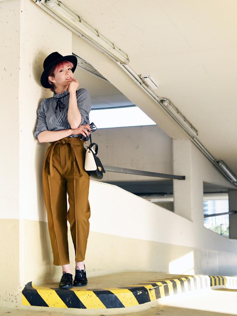 olive-green-highwaist-pants-boyish-outfit-fashionblogger-streetstyle-nachgesternistvormorgen-5