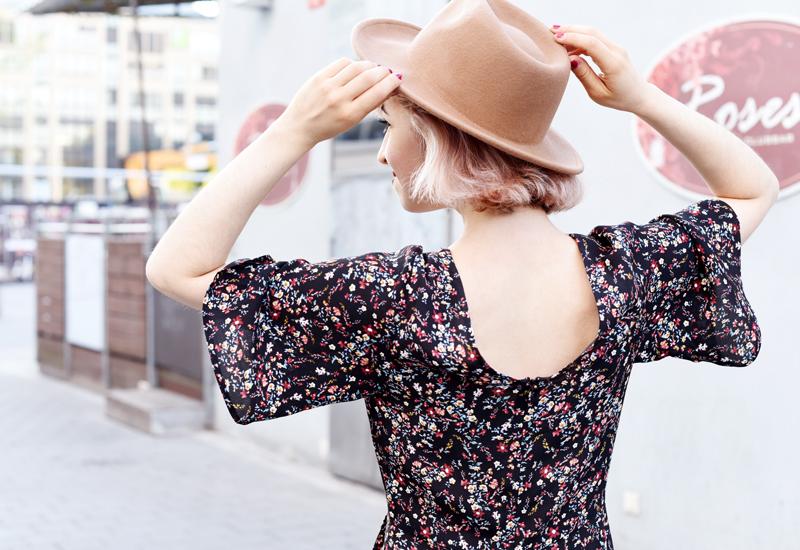 ruecken-hat-fashion-mode-fashionblog-modeblog-floral-millefleurs-bluemchen