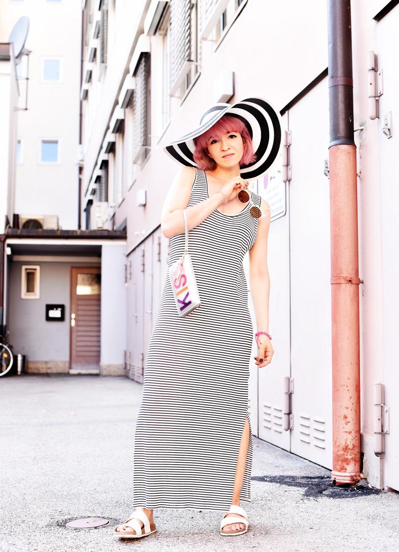stripes-maxi-dress-kleid-gestreift-hut-sommer-streetstyle-fashionblog-modeblog-nachgesteristvormorgen-muenchen-mode-outfit-inspiration-1-Kopie