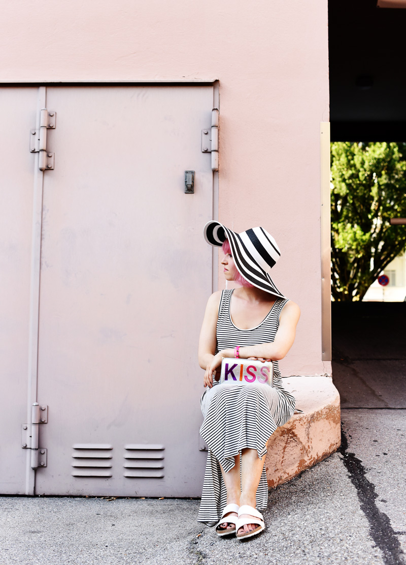stripes-maxi-dress-kleid-gestreift-hut-sommer-streetstyle-fashionblog-modeblog-nachgesteristvormorgen-muenchen-mode-outfit-inspiration-4