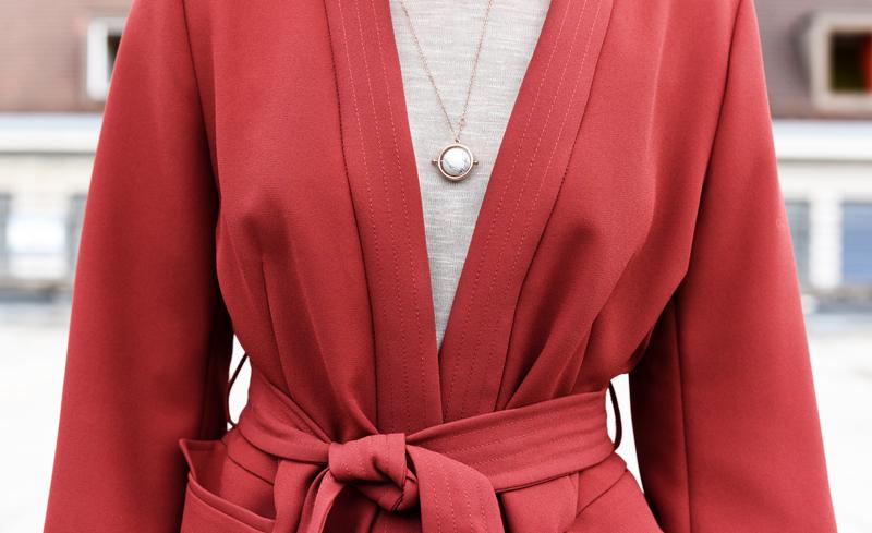 detail-kimono-jacket-pinkhair-cassette-bag-clutch-outfit-fashionblogger-nachgesternistvormorgen-muenchen