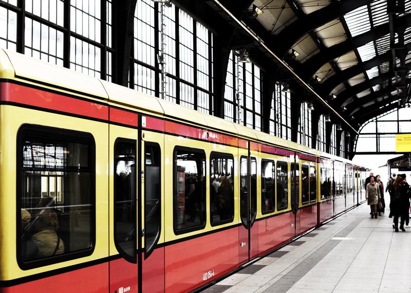 metro-ubahn-berlin-bahnhof