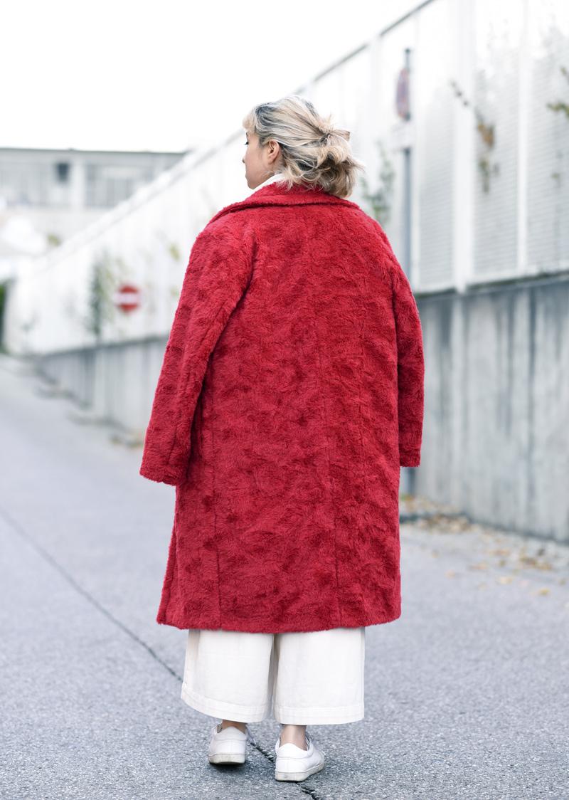 back-red-coat-wool-pelz-fall-herbst-outfit-fashionblogger-nachgesternistvormorgen-muenchen-rene-lezard-fur