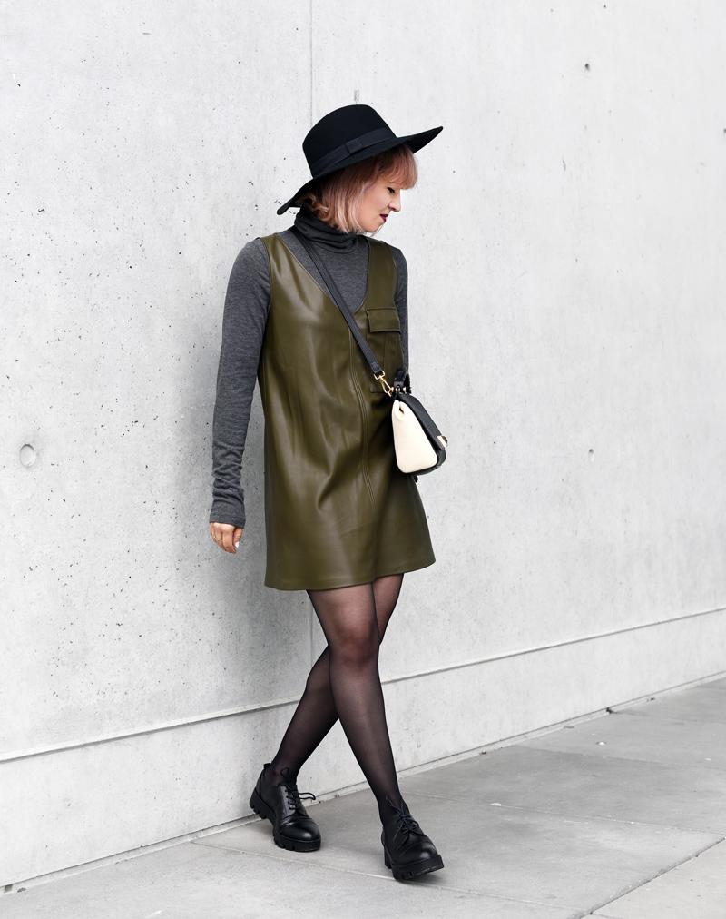 olivegreen-military-leather-vegan-dress-60ies-60ger-outfit-streetstyle-fashionblogger-nachgesternistvormorgen-munich-muenchen-mode-4