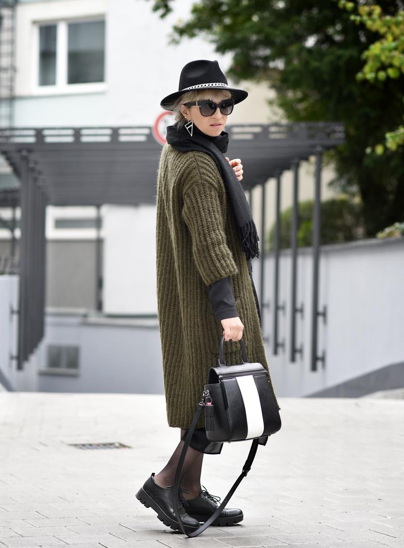 outfit-herbst-look-fall-trend-knit-strick-coat-mantel-olive-green-military-gruen-hallhuber-fashionblogger-modeblog-muenchen-nachgesternistvormorgen-2