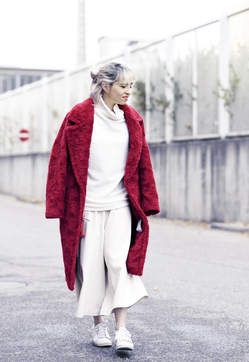 red-coat-wool-pelz-fall-herbst-outfit-fashionblogger-nachgesternistvormorgen-muenchen-rene-lezard-fur-Kopie-b