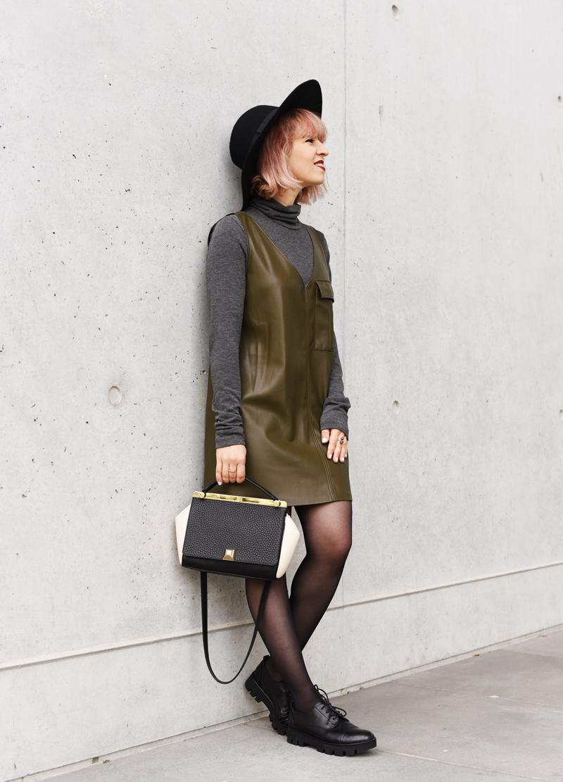 vegan-leather-dress-fall-trend-herbst-blogger-mode
