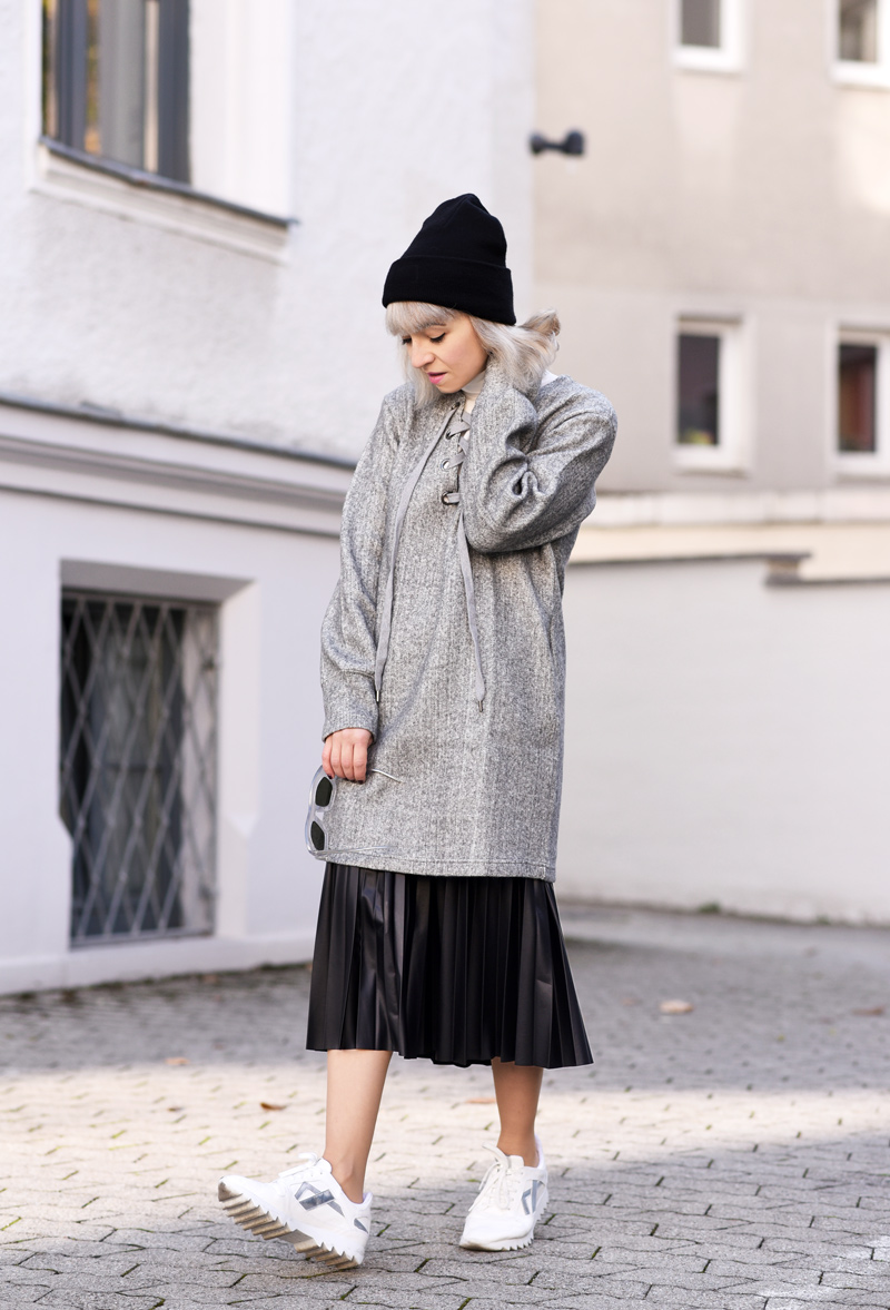 front-row-shop-blogger-fall-winter-grey-nachgesternistvormorgen-muenchen-skirt-lace-up-dress-trend-fashionblogger-22