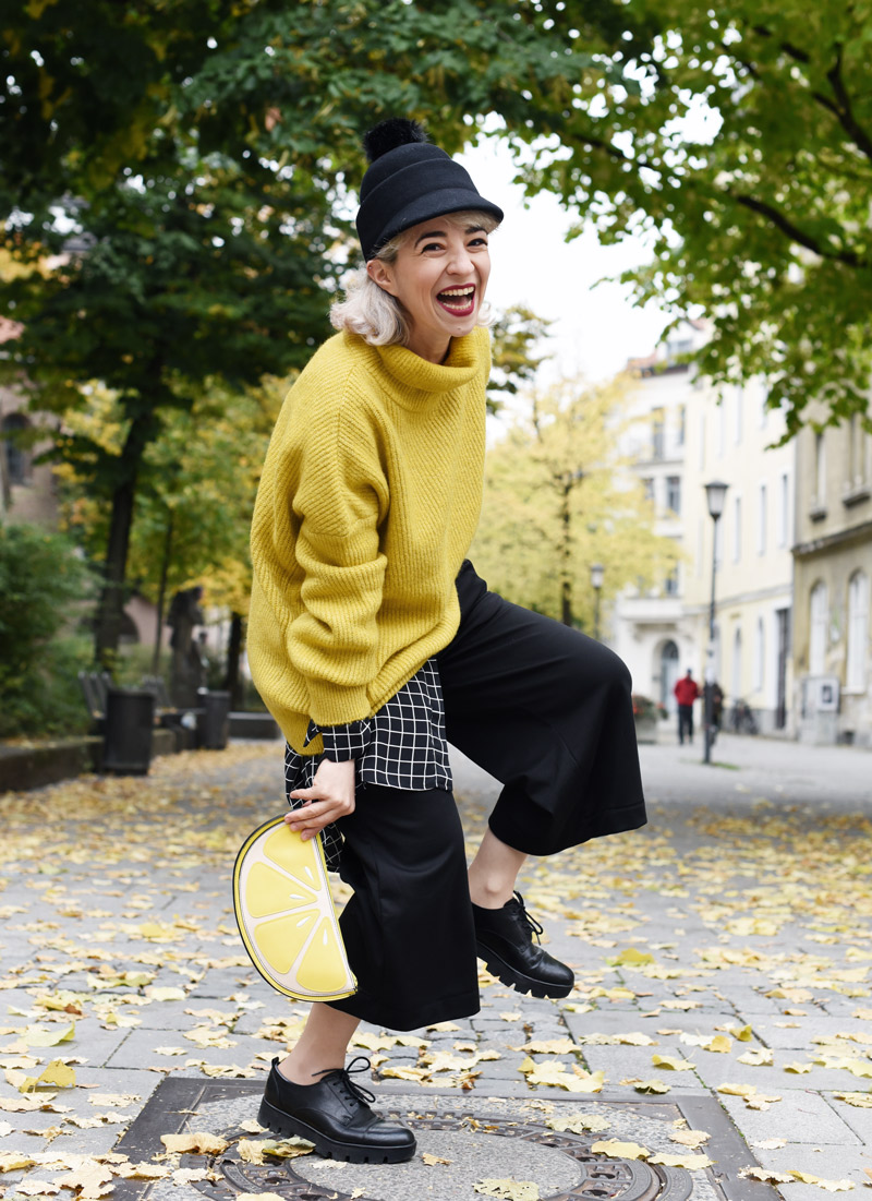 outtaake-yellow-fall-outfit