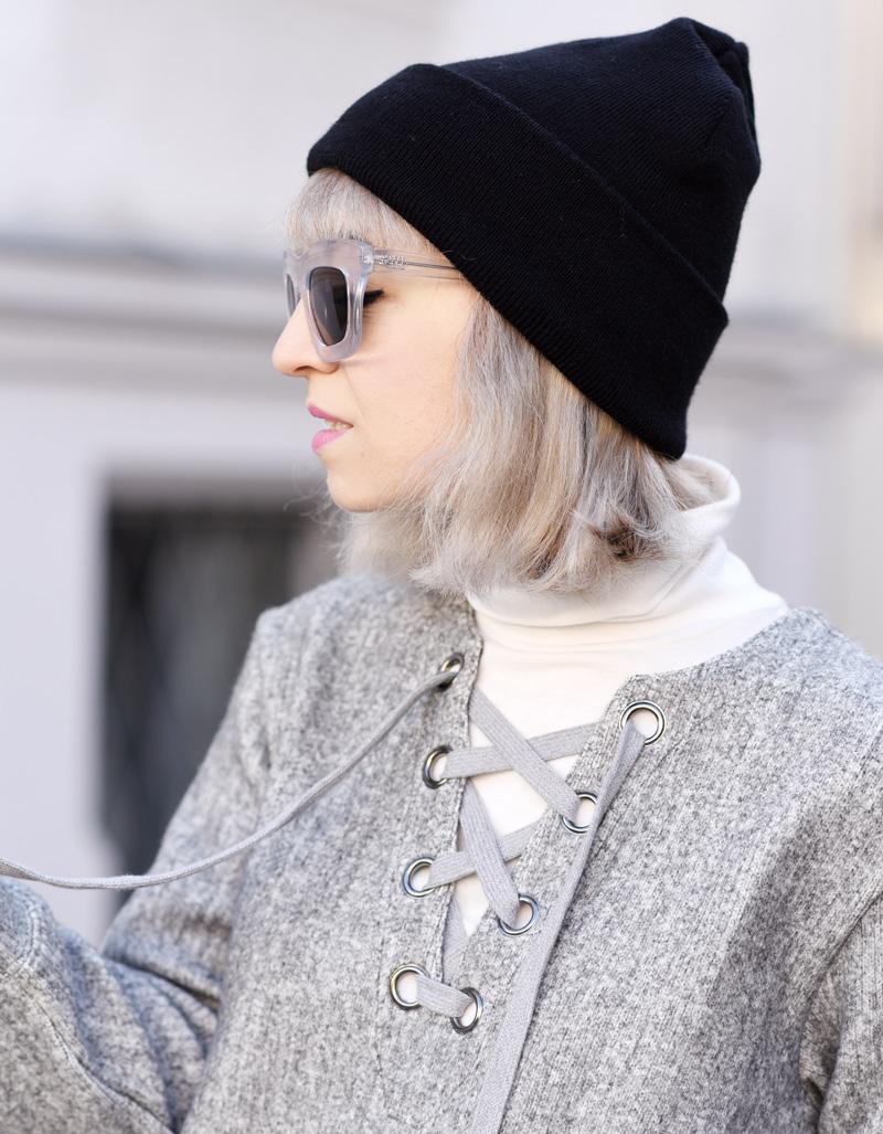 portrait-front-row-shop-blogger-fall-winter-grey-nachgesternistvormorgen-muenchen-skirt-lace-up-dress-trend-fashionblogger-1
