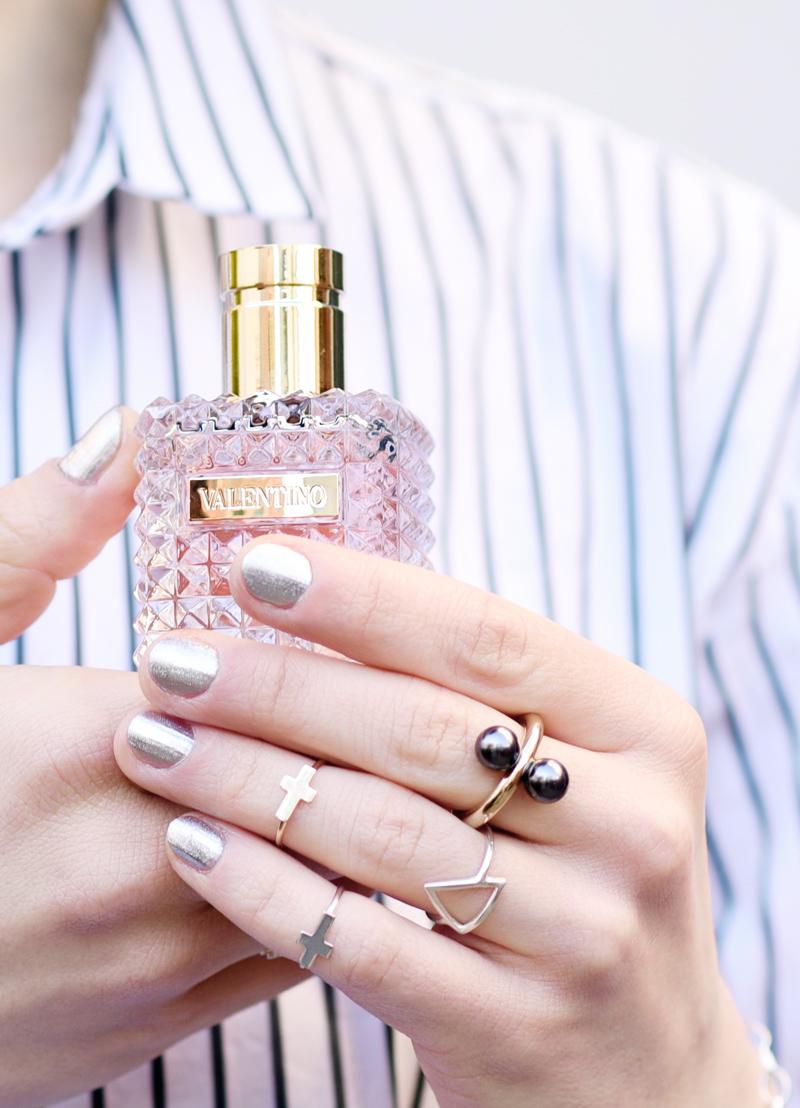 valentino-parfum-flaconi-hand-blogger-nachgesternistvormorgen-ring-schmuck-jewelry