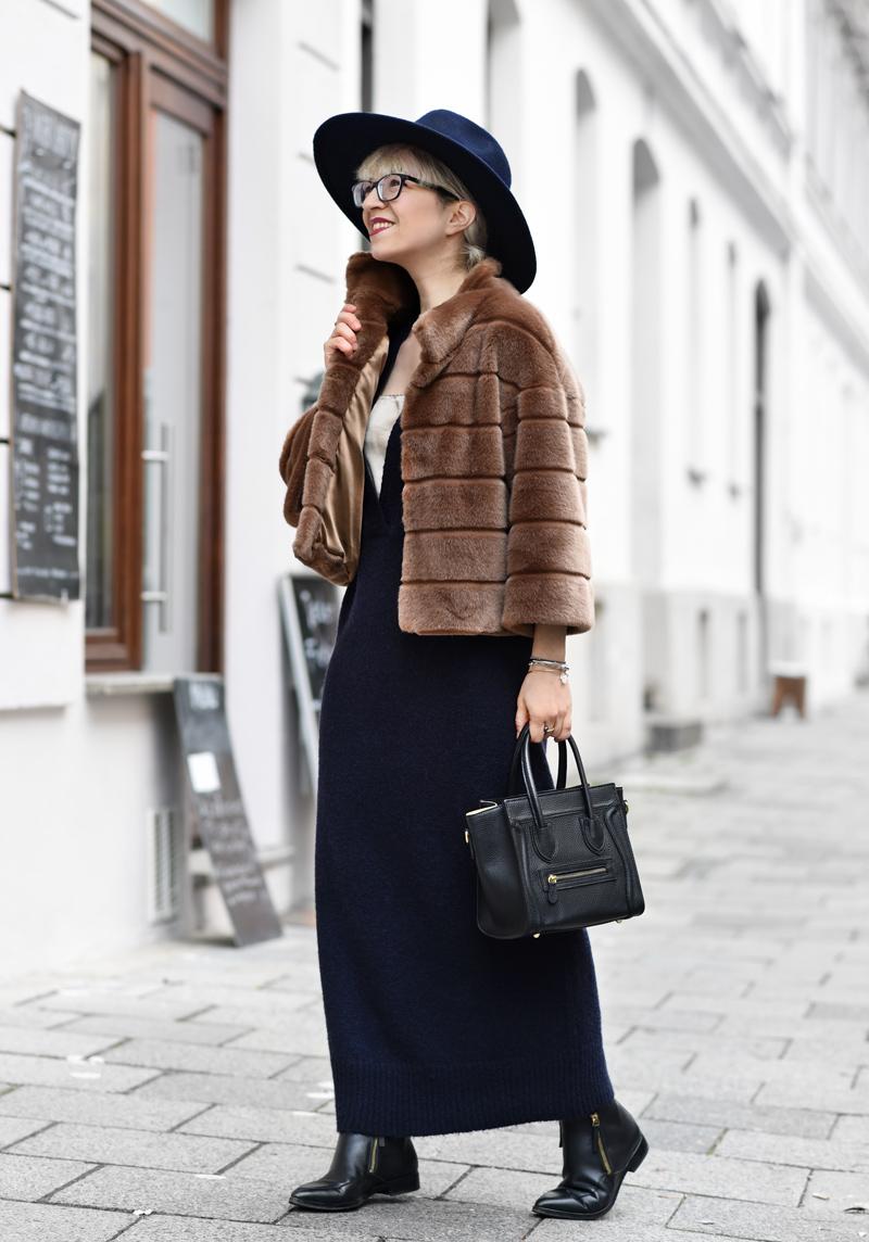 fake-fur-jacket-kunstpelz-blogger-fashion-mode-streetstyle-elegant-outfit-nachgesternistvormorgen-muenchen-maxi-dress-brown-navy-blau-cognac-2