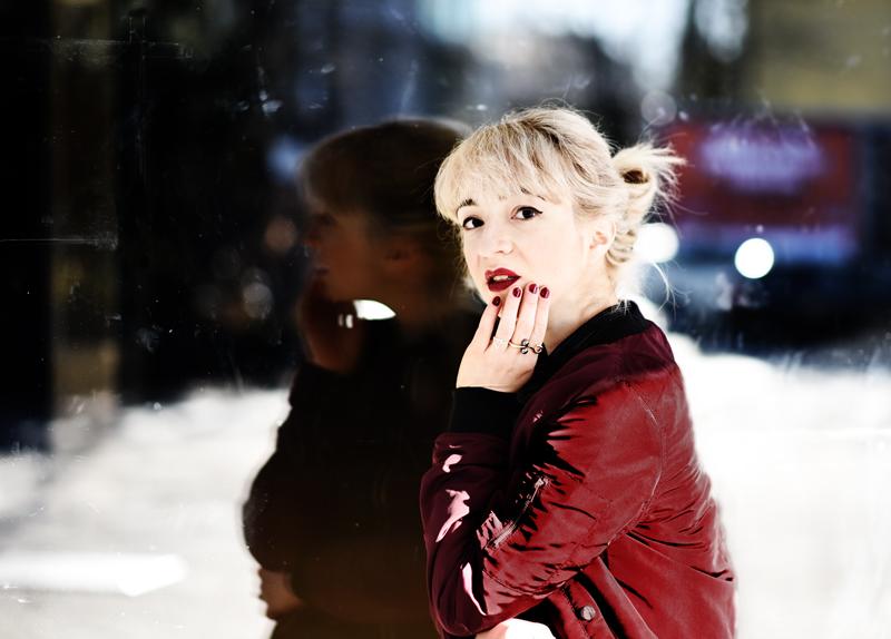 nachgesternistvormorgen-marsala-culotte-outfit-blogger-fashion-modeblog-muenchen-bomber-jacket-winter-inspiration-portrait-1