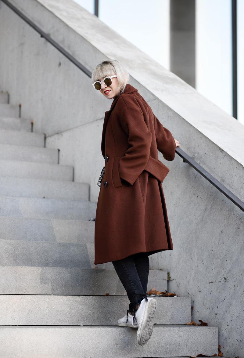 oversized-coat-rostrot-brown-zara-outfit-blogger-nachgesternistvormorgen-muenchen-fashionblog-modeblog-look-casual-chic-streetstyle-furla-metropolis-urban-4