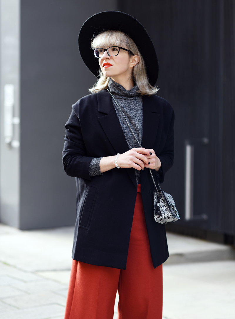 orange-culottes-nachgesternistvormorgen-outfit-look-fashion-modeblog-modeblogger-muenchen-furla-bag-tasche-black-3