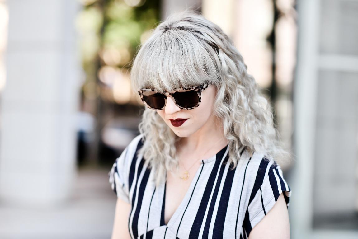 portrait ace tate sonnenbrille granny hair locken fashionblogger modeblogger muenchen munich