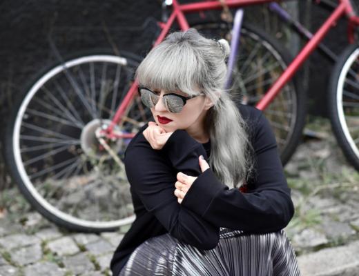 hugo, boss, sweatshirt, modeblogger, fashionblogger, muenchen, munich, streetstyle, sporty, plissee, rock, skirt, metallic, silber, trend, herbst, hugoboss