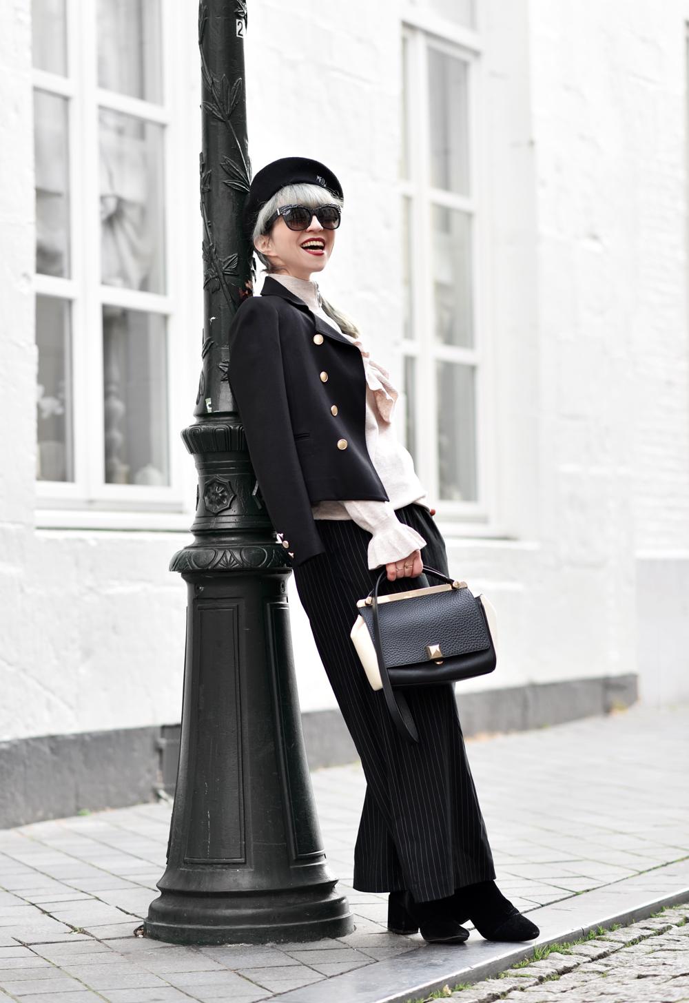 parisienne, französisch, jacke, military, navy, outfit, streetstyle, nachgesternistvormorgen, schwarz, weiss, modeblogger, muenchen, fashionblogger, fashionblog