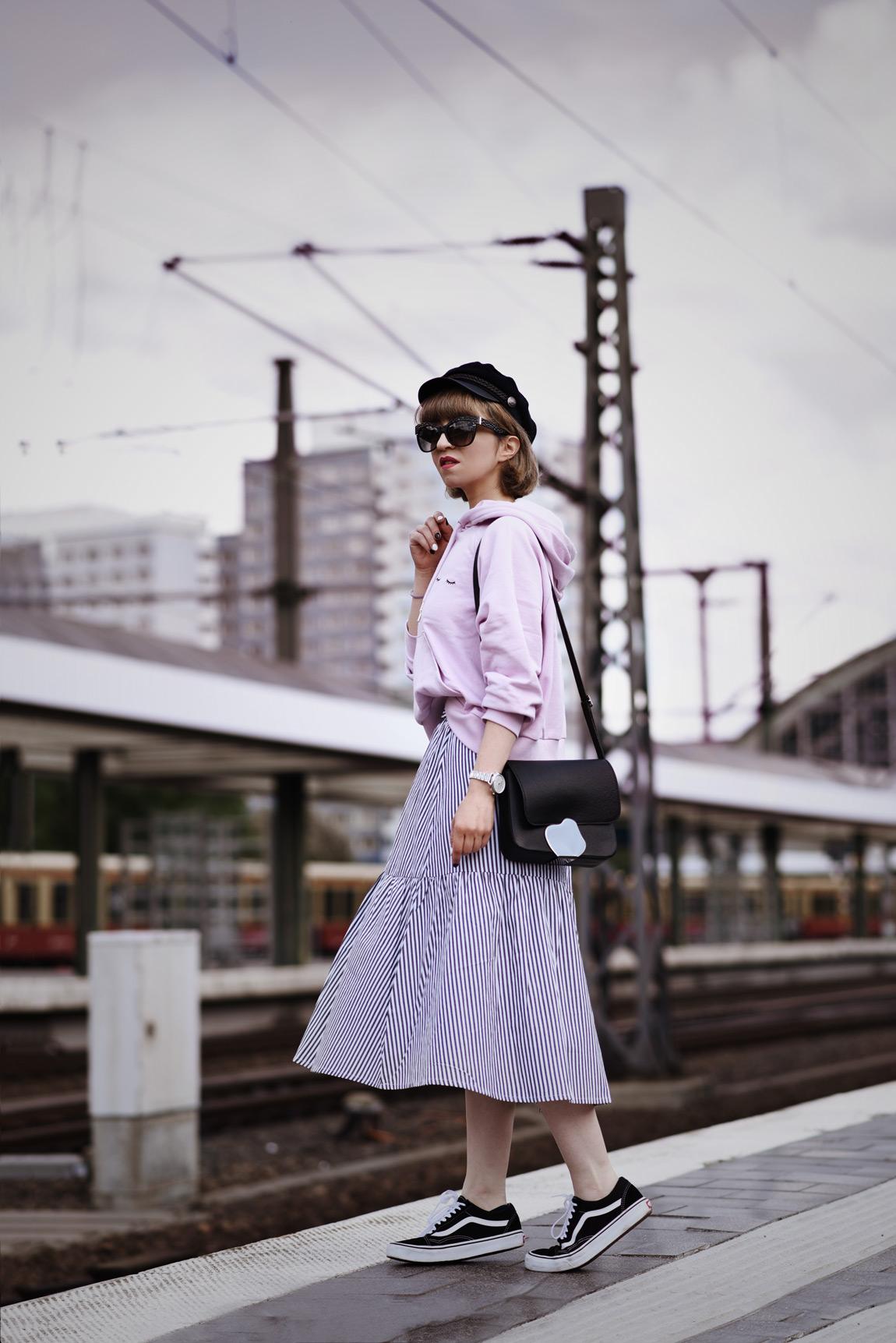 monki, outfit, fashionblogger, streifen, rock, streetstyle, modeblogger, berlin, muenchen
