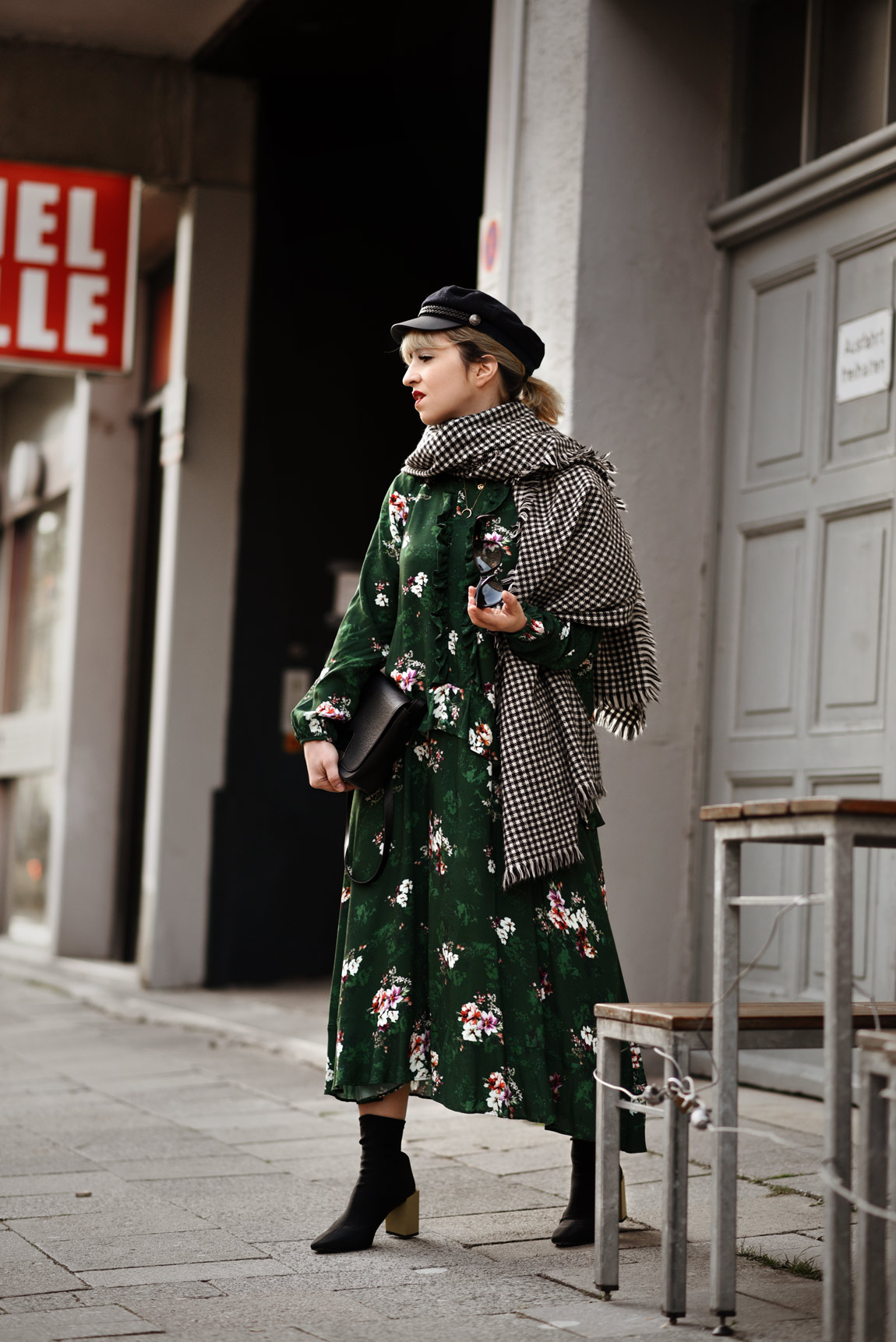 midi, kleid, grün, blumen, fashionblog, modeblog, modeblogger, münchen, hm, winter, shopping, look, streetstyle, ootd, outfit, inspiration, trendy
