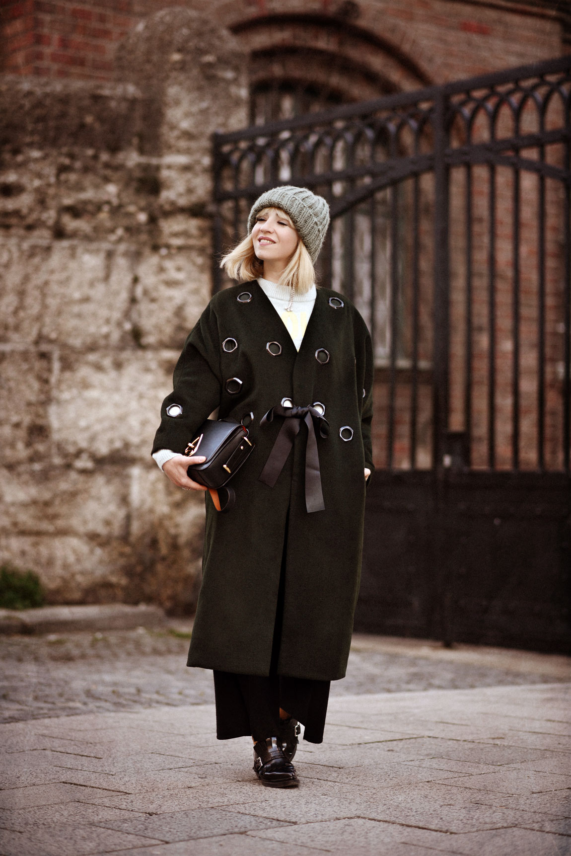 asos, mantel, white, gruen, asseenonme, coat, fashionblogger, modeblogger, münchen, berlin,winter, ootd, streetstyle, styleblog, outfit, inspiration, look