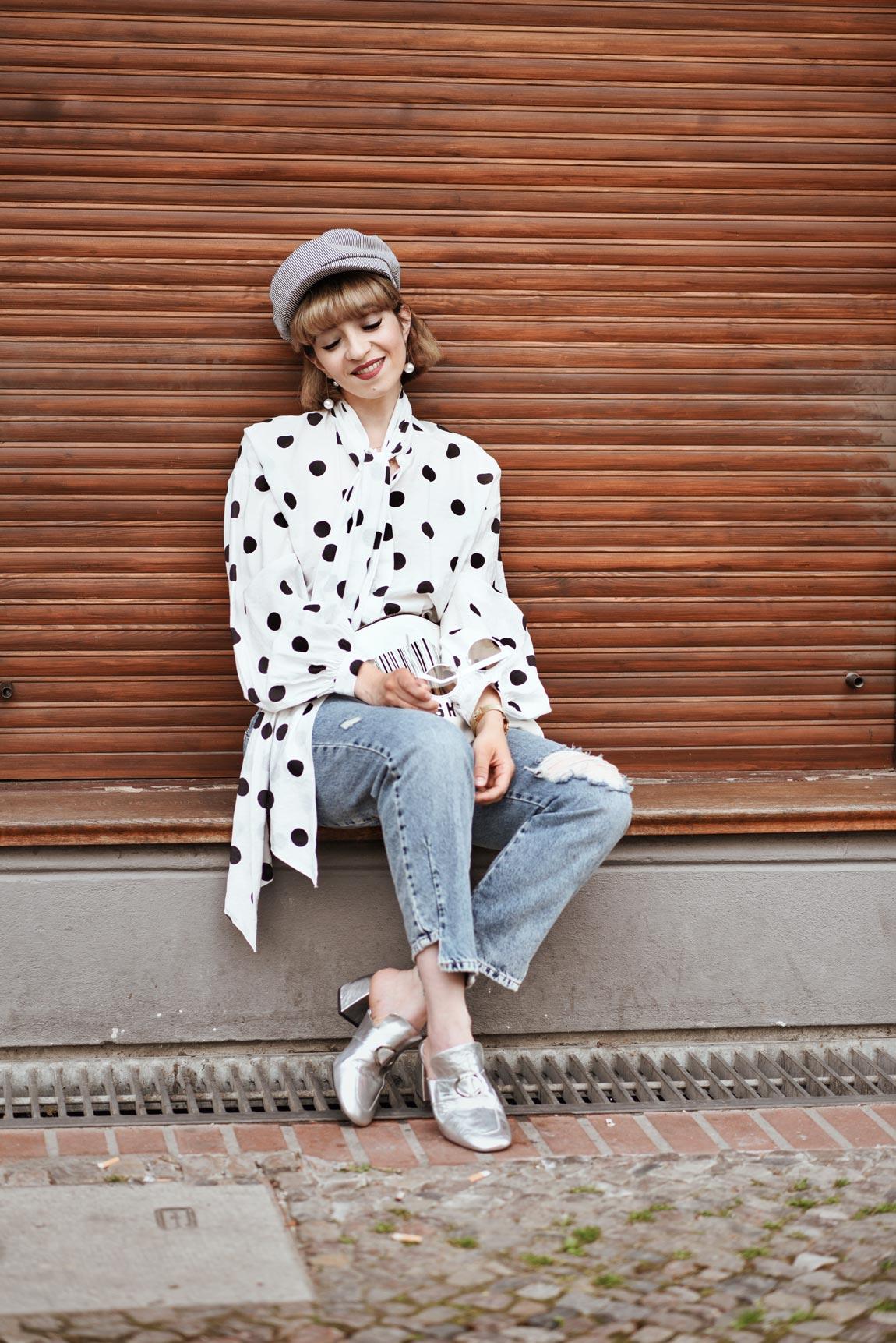 punkte, bluse, outfit, berlin, blogger, modeblog, fashionblog, streetstyle, sommer, inspiration, jeans, denim, retro, kombi, cute