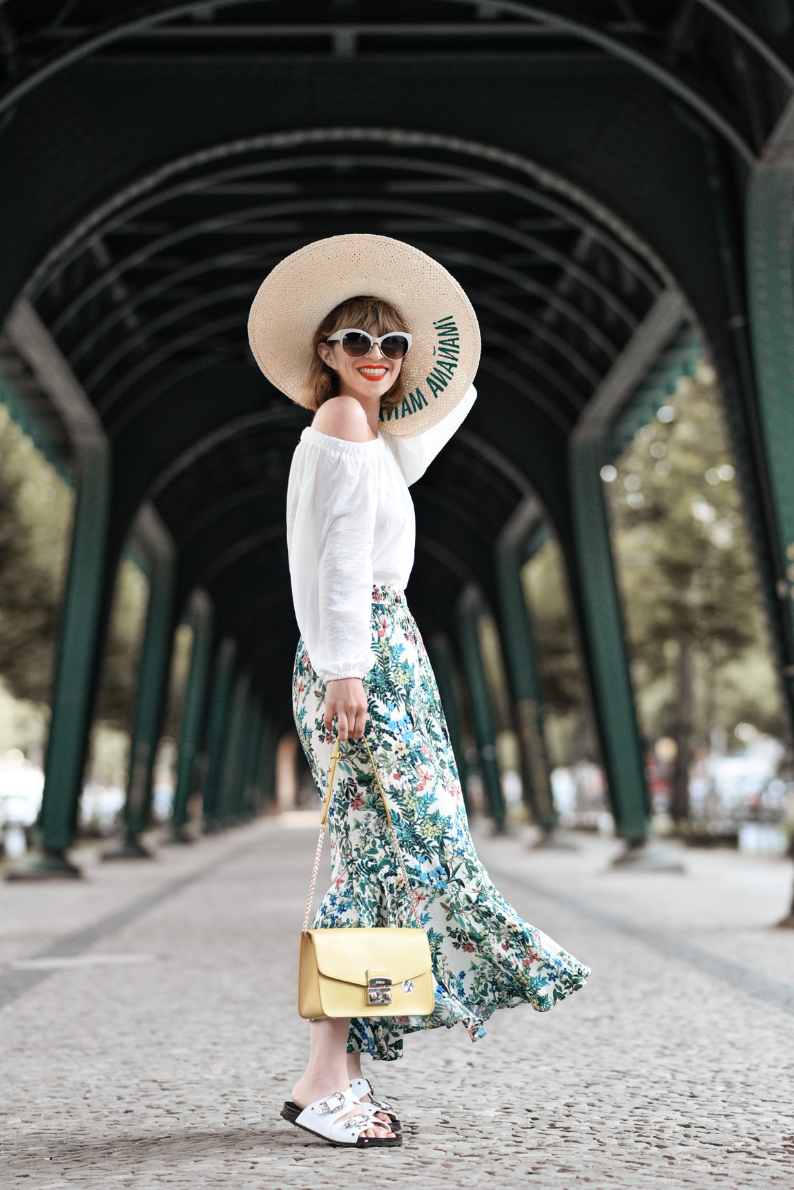blumen, culotte, offshoulder, outfit, berlin, sommer, culottes, floral, weekday, streetstyle, suess, cute, retro, feminin, fashionblogger, modeblogger