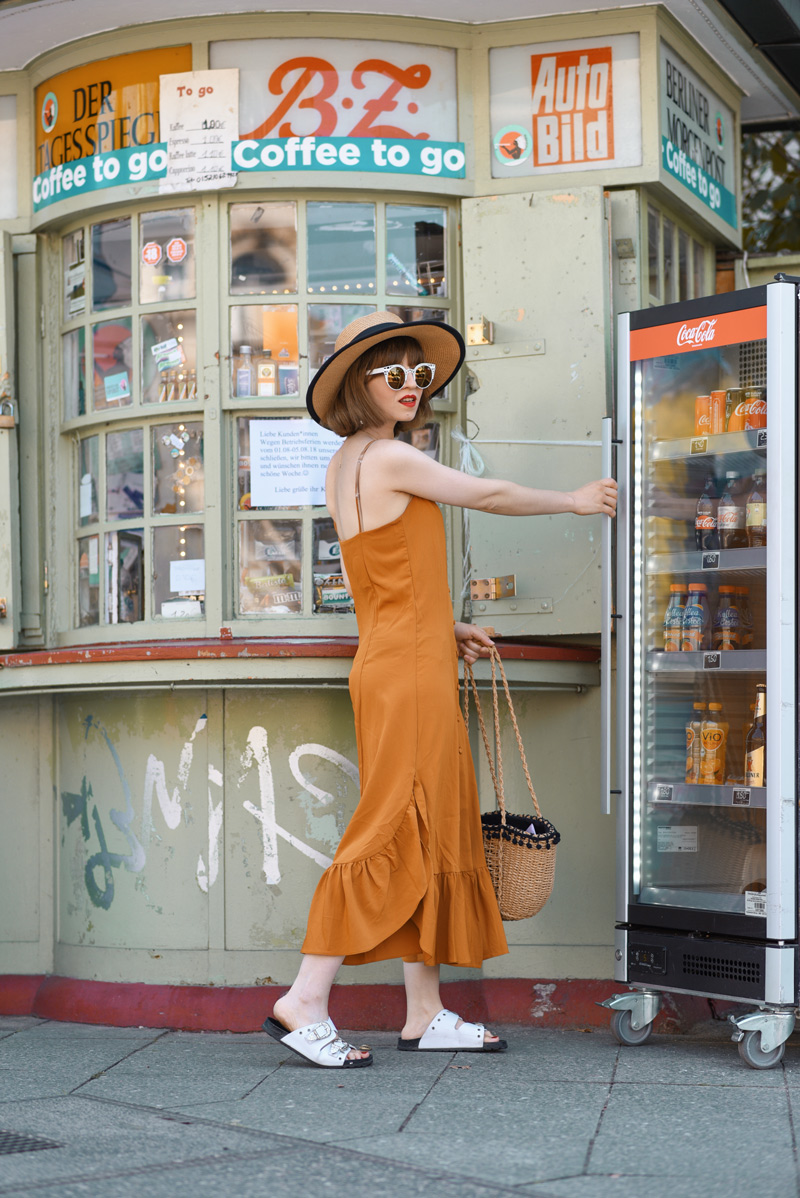 gelbes, kleid, weekday, berlin, fashionblogger, modeblogger, sommer, gelb, outfit, streetstyle